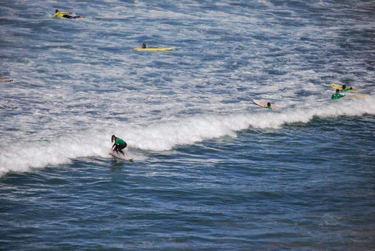 7 surfspots for beginners in France