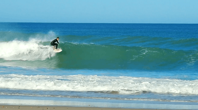 Catching some French waves #video