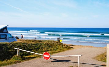 surfing bretagne in august