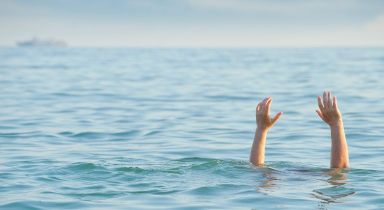Drowning is a deceptively quiet event. How to recognize drowning?